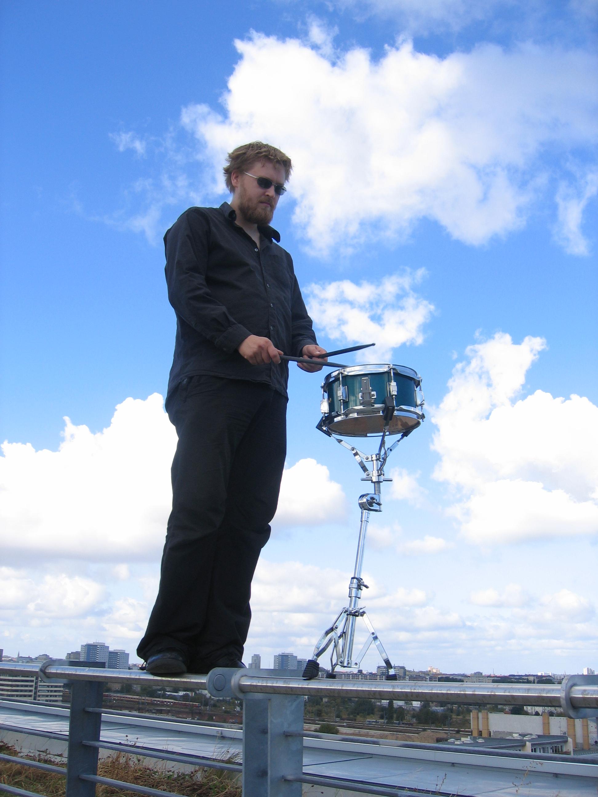 Tobias Bertram auf Dach über Berlin