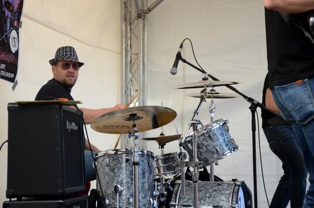 Tobias Bertram am Schlagzeug mit moxy